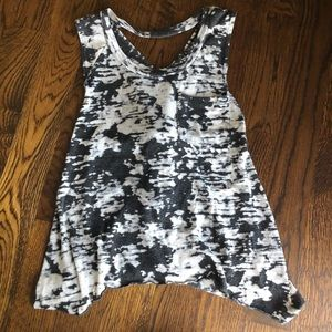 Day trip size small tank top